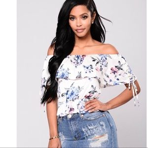 Brand New Off the shoulder top
